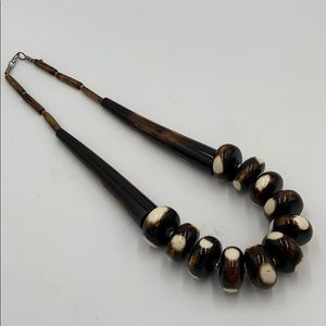 "Euc Vintage boho bone or horn tribal necklace 24"""